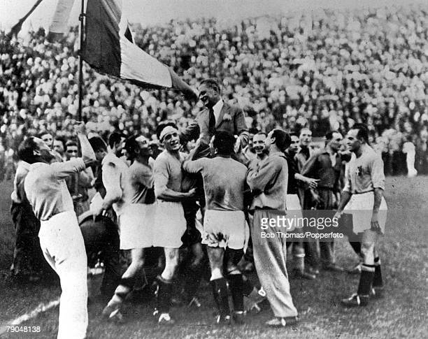 World Cup Final Rome Italy Italy 2 v Czechoslovakia 1 10th June The victorious Italian team carry their coach Vittorio Pozzo as they celebrate an...