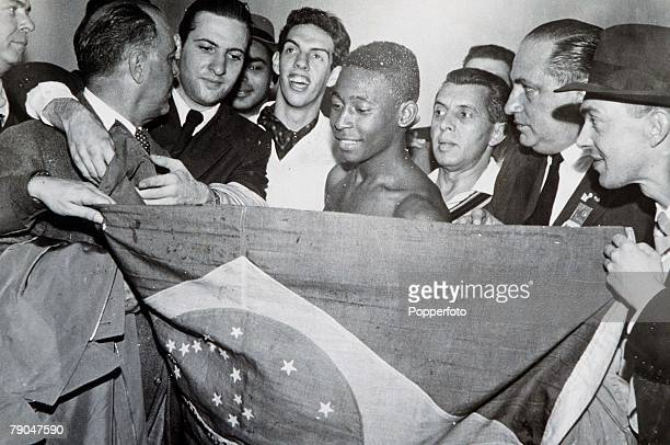 World Cup Final Stockholm Sweden 29th June Sweden 2 v Brazil 5 Brazil's Pele surrounded by delighted Brazilian fans after the final in which he...