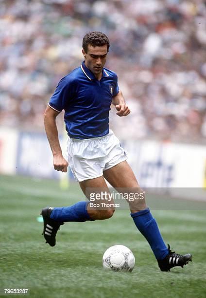 World Cup Finals Azteca Stadium Mexico 31st May 1986 Italy 1 v Bulgaria 1 Italy's Giuseppe Bergomi on the ball