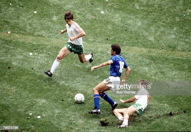 World Cup Finals Azteca Stadium Mexico 31st May 1986 Italy 1 v Bulgaria 1 Italy's Alessandro Altobelli causes problems for Bulgaria's Radoslav...