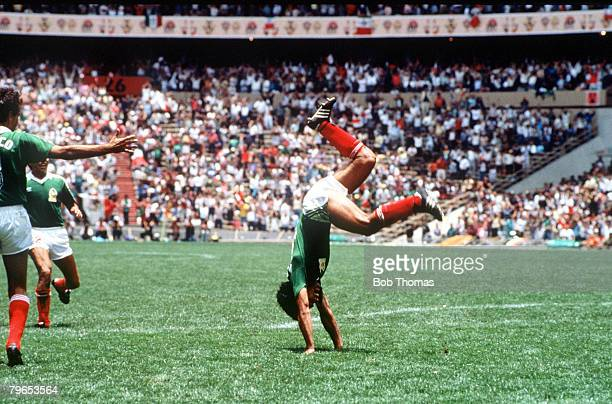 World Cup Finals Azteca Stadium Mexico 3rd June Mexico 2 v Belgium 1 Mexico's Hugo Sanchez somersaults with joy after scoring the second goal