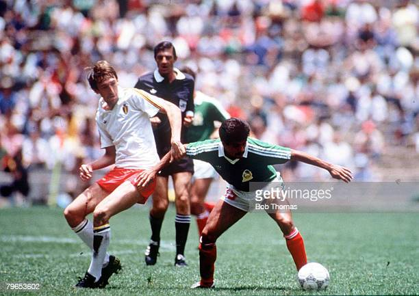 World Cup Finals Azteca Stadium Mexico 3rd June Mexico 2 v Belgium 1 Mexico's Luis Flores and Belgium's Leo Van Der Elst battles for the ball