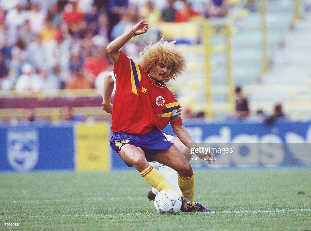 1990 World Cup Finals, Bologna, Italy, 14th June, 1990, Yugoslavia 1 v Colombia 0, Colombia's Carlos Valderrama : News Photo