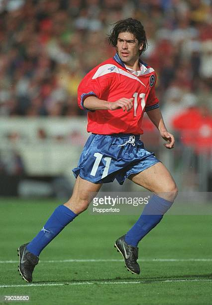 World Cup Finals Bordeaux France 11th JUNE 1998 Italy 2 v Chile 2 Chile's Marcelo Salas