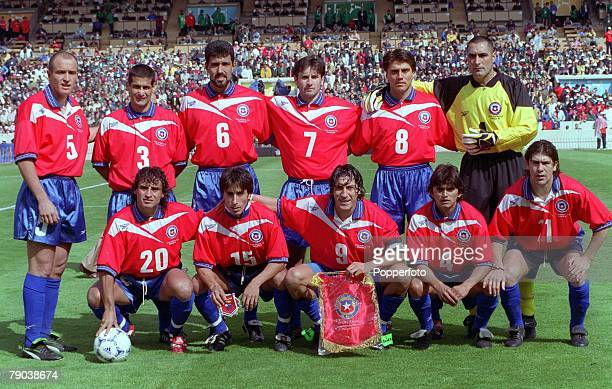 World Cup Finals Bordeaux France 11th JUNE 1998 Italy 2 v Chile 2 The Chile team line up before the game for a group photograph