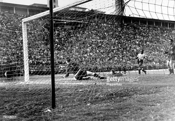 World Cup Finals Final Pool Match Pacaembu Nacional Stadium Sao Paulo Brazil 9th July Spain 2 v Uruguay 2 Uruguay's Ghiggia scores the first goal...