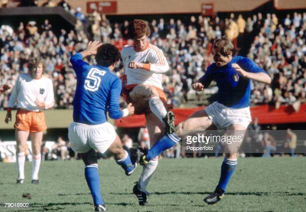 World Cup Finals Group A Second Phase Buenos Aires Argentina 21st June Holland 2 v Italy 1 Holland's Ernie Brandts is tackled by Italy's Claudio...