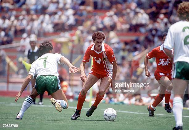 World Cup Finals Guadalajara Mexico 3rd June 1986 Algeria 1 v Northern Ireland 1 Northern Ireland's Steve Penney moves in to challenge Algeria's...