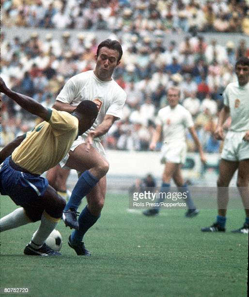 World Cup Finals Guadalajara Mexico 3rd June Brazil 4 v Czechoslovakia 1 Brazilian forward Pele is crowded by Czech defenders during their Group...