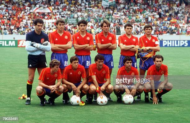 World Cup Finals Guadalajara Mexico 7th June Spain 2 v Northern Ireland 1 The Spanish team pose for a group photograph before the match