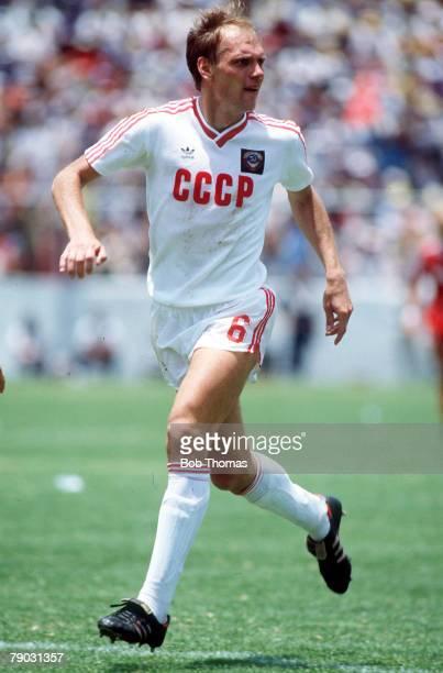 World Cup Finals Irapuato Mexico 9th June USSR 2 v Canada 0 USSR's Aleksandr Bubnov