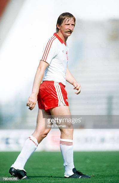 World Cup Finals La Coruna Spain 19th June Poland 0 v Cameroon 0 Poland's Andre Szarmach