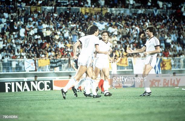 World Cup Finals Malaga Spain 15th June Scotland 5 v New Zealand 2 The New Zealand team celebrate Steve Sumner's first goal for them