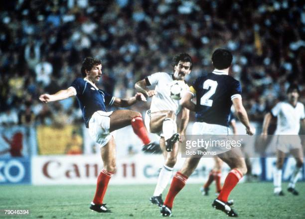 World Cup Finals Malaga Spain 15th June Scotland 5 v New Zealand 2 New Zealand's Steve Sumner is challenged by Scotland's Graeme Souness as Danny...
