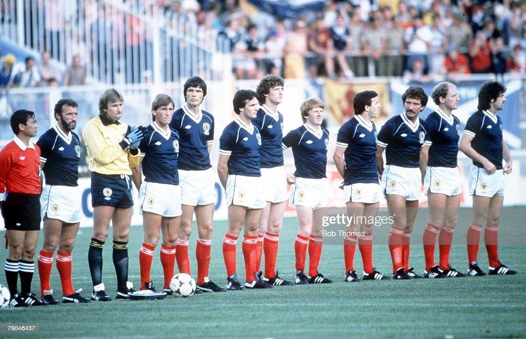 1982 World Cup Finals. Malaga, Spain. 15th June, 1982. Scotland 5 v New Zealand 2. Scotland's starting line-up. : News Photo