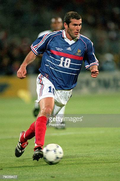 World Cup Finals Marseille France 12th JUNE 1998 France 3 v South Africa 0 France's Zinedine Zidane runs with the ball