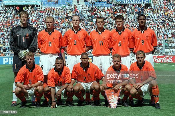 World Cup Finals Marseille France QuarterFinal 4th JULY 1998 Holland 2 v Argentina 1The Holland team lineup together for a group photograph