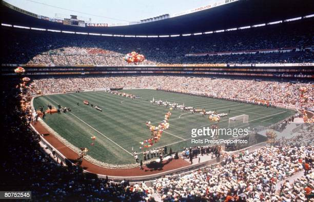 World Cup Finals Mexico City Mexico 31st May Mexico 0 v Soviet Union 0 A general view of the Azteca Stadium during the Opening Ceremony
