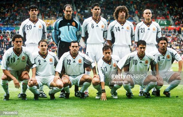 World Cup Finals Nantes France 13th JUNE 1998 Spain 2 v Nigeria 3 The Spanish team pose before the match for a group photograph