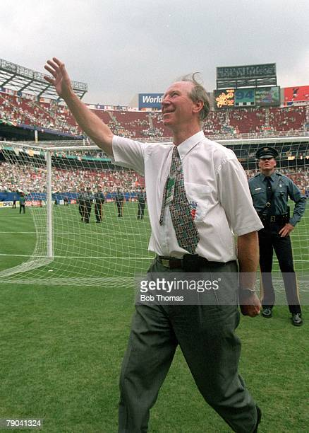 World Cup Finals New Jersey USA 28th June Norway 0 v Republic of Ireland 0 Ireland's manager Jack Charlton waves to fans