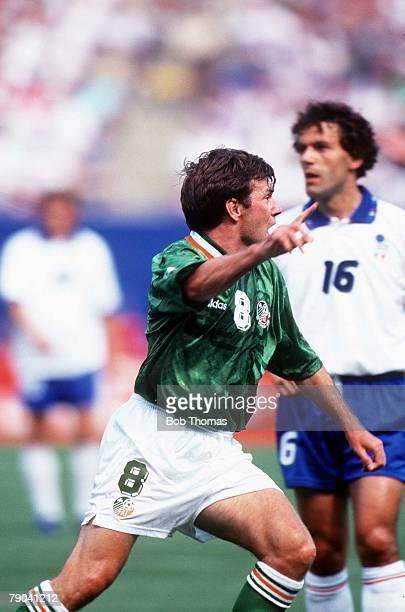 World Cup Finals, New York, USA, 18th June 1994, Ireland 1 v Italy 0, Ireland's Ray Houghton celebrates his goal