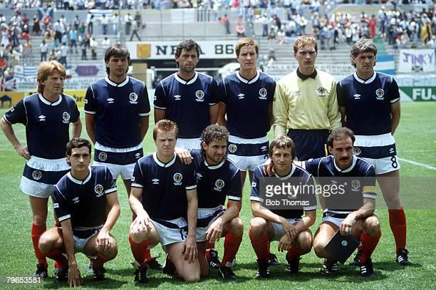 World Cup Finals Neza Mexico 13th June Uruguay 0 v Scotland 0 Scotland pose for a team group before the match