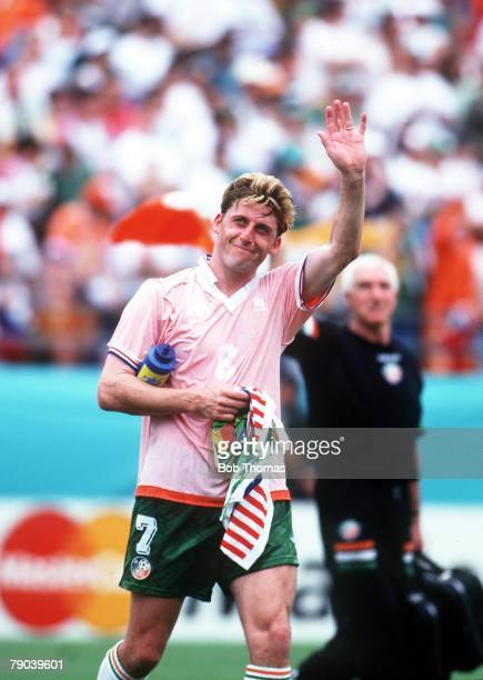 World Cup Finals, Orlando, USA, 4th July Holland 2 v Republic of Ireland 0, Ireland's Andy Townsend salutes fans at the end of the match