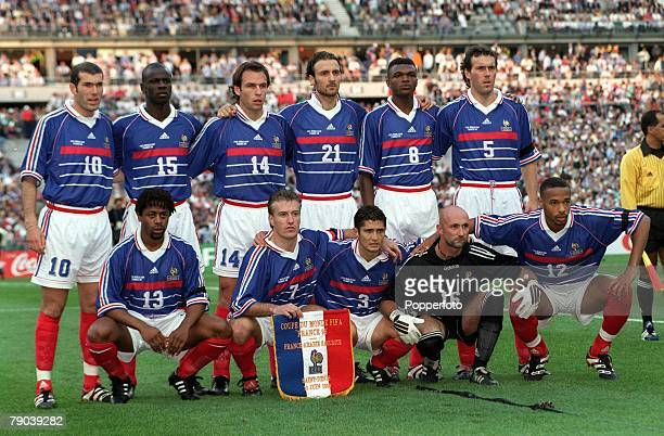 World Cup Finals Paris France 18th JUNE 1998 France 4 v Saudi Arabia 0 The France team pose for a group photograph