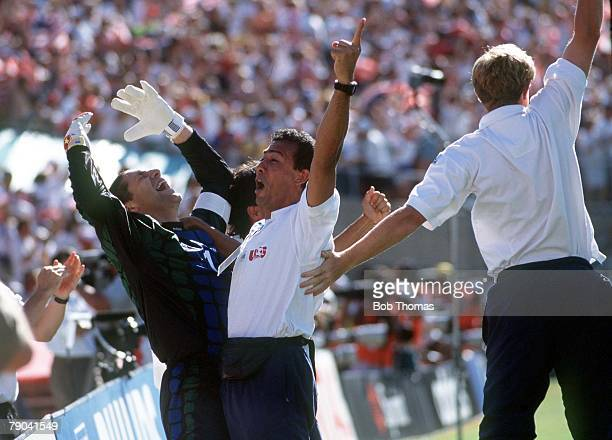 World Cup Finals Pasadena USA 22nd June USA 2 v Colombia 1 USA's goalkeeper Tony Meola celebrates after his team's first goal