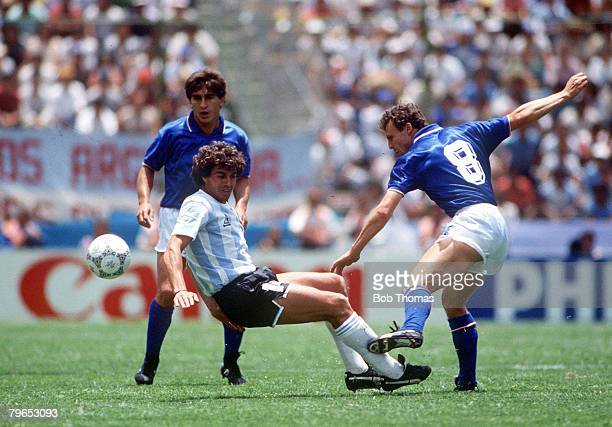 World Cup Finals Puebla Mexico 5th June Italy 1 v Argentina 1 Argentina's Ricardo Giusti contests a ball with Italy's Pietro Vierchowod