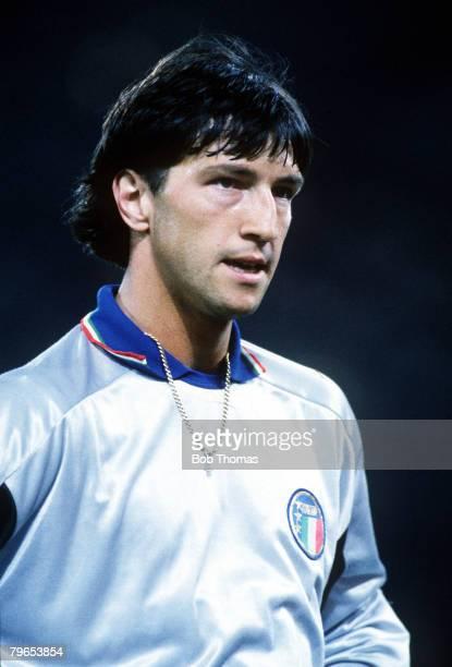 World Cup Finals Rome Italy 9th June Italy 1 v Austria 0 Italian goalkeeper Walter Zenga