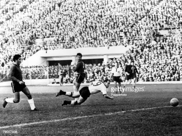 World Cup Finals Santiago Chile 6th June Germany 2 v Chile 0 Germany's Uwe Seeler heads the ball into the Chilean goal for his side's second goal as...