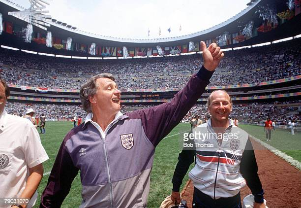 World Cup Finals Second Phase Azteca Stadium Mexico 18th June England 3 v Paraguay 0 England's manager Bobby Robson gives thumbs up as he celebrates...