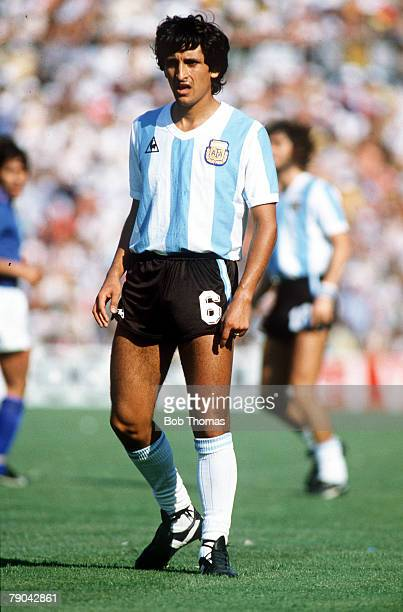 World Cup Finals Second Phase Barcelona Spain 29th June Italy 2 v Argentina 1 Argentina's Ramon Diaz