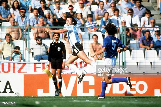 World Cup Finals Second Phase Barcelona Spain 29th June Italy 2 v Argentina 1 Argentina's Daniel Bertoni beats Italy's Fulvio Collovati in the air to...
