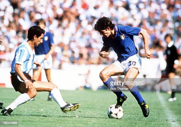 World Cup Finals Second Phase Barcelona Spain 29th June Italy 2 v Argentina 1 Italy's Paolo Rossi is challenged by Argentina's Osvaldo Ardiles