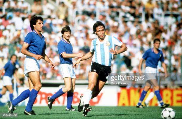 World Cup Finals Second Phase Barcelona Spain 29th June Italy 2 v Argentina 1 Italy's Gaetano Scirea is beaten by Argentina's Daniel Bertoni
