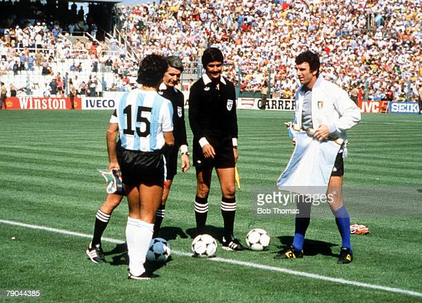 World Cup Finals Second Phase Barcelona Spain 29th June Italy 2 v Argentina 1 Argentine captain Daniel Passarella and Italian captain Dino Zoff at...
