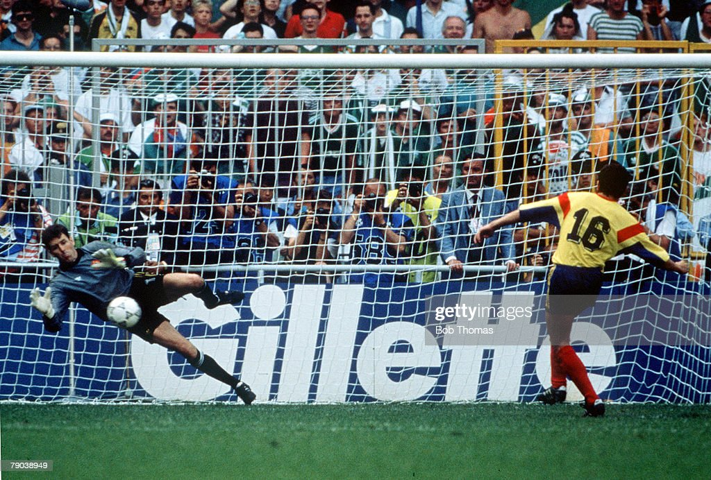 1990 World Cup Finals. Second Phase. Genoa, Italy. 25th June, 1990. Republic Of Ireland 0 v Romania 0. (Republic Of Ireland win 5-4 on penalties). Republic Of Ireland's goalkeeper Pat Bonner saves the crucial penalty from Romania's Daniel Timofte. : News Photo