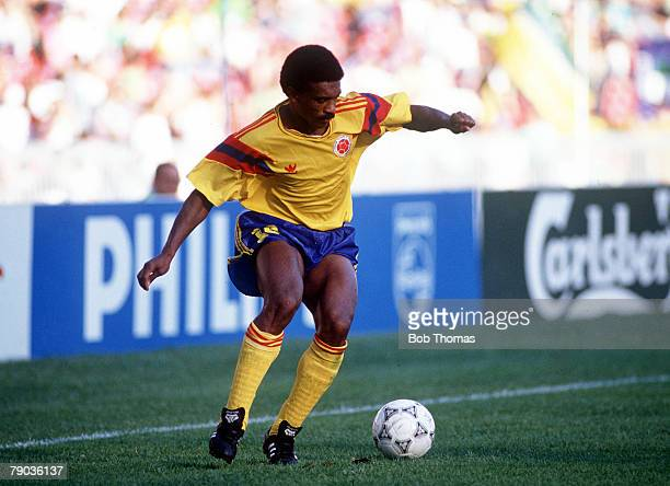 World Cup Finals Second Phase Naples Italy 23rd June Cameroon 2 v Colombia 1 Colombia's Arnoldo Iguaran on the ball