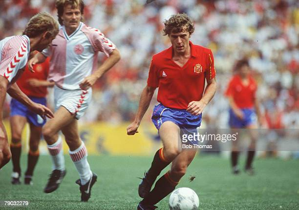 World Cup Finals Second Phase Queretaro Mexico 18th June Spain 5 v Denmark 1 Spain's Emilio Butragueno on the ball