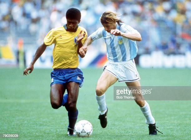 World Cup Finals Second Phase Turin Italy 24th June Argentina 1 v Brazil 0 Brazil's Valdo races for the ball with Argentina's Claudio Caniggia