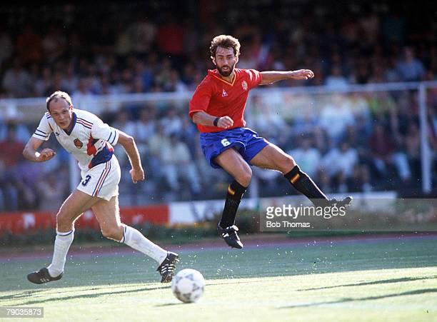 World Cup Finals Second Phase Verona Italy 26th June Yugoslavia 2 v Spain 1 Spain's Martin Vazquez takes a shot at the Yugoslav goal