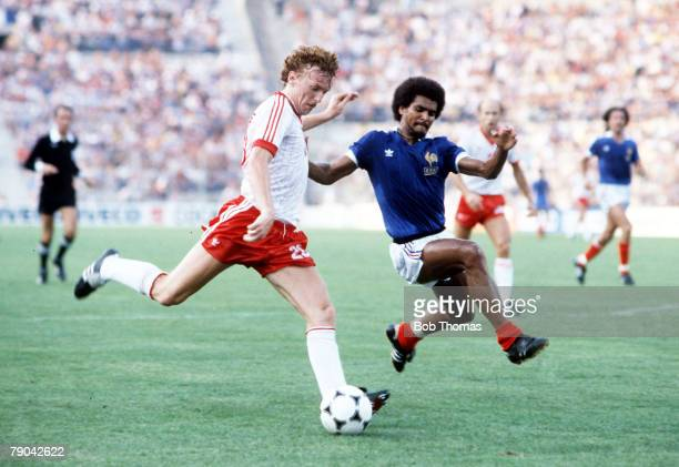 World Cup Finals Third Place PlayOff Alicante Spain 10th July Poland 3 v France 2 Poland's Zbigniew Boniek is challenged by France's Gerard Janvion