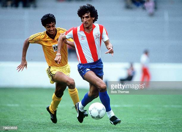 World Cup Finals Toluca Mexico 4th June Paraguay 1 v Iraq 0 Paraguay's Zabala is chased for the ball by Iraq's Amaiesh