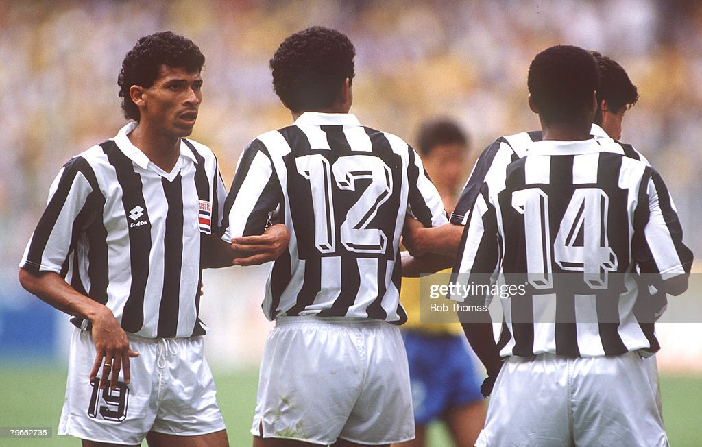 1990 World Cup Finals, Turin, Italy, 16th June, 1990, Brazil 1 v Costa Rica 0, Costa Rica's Hector Marchena organises the defensive wall : News Photo