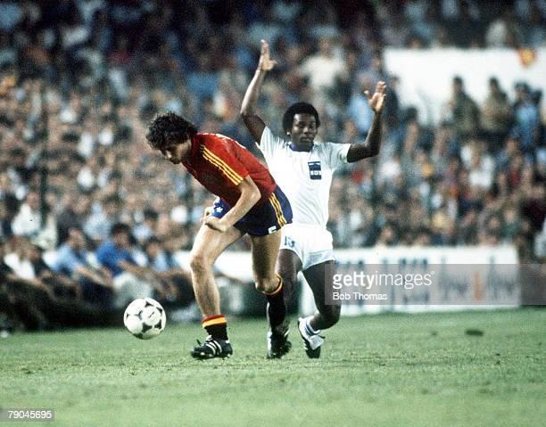 World Cup Finals Valencia Spain 16th June Spain 1 v Honduras 1 Spain's Miguel Tendillo is tackled by Honduras's Prudencio Norales