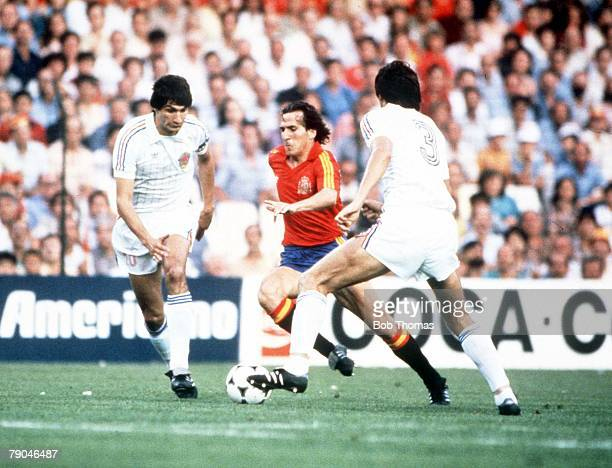World Cup Finals Valencia Spain 20th June Spain 2 v Yugoslavia 1 Spain's Jose Vincente Sanchez bursts through Yugoslavia's Ivan Surjak and Ivan Gudelj