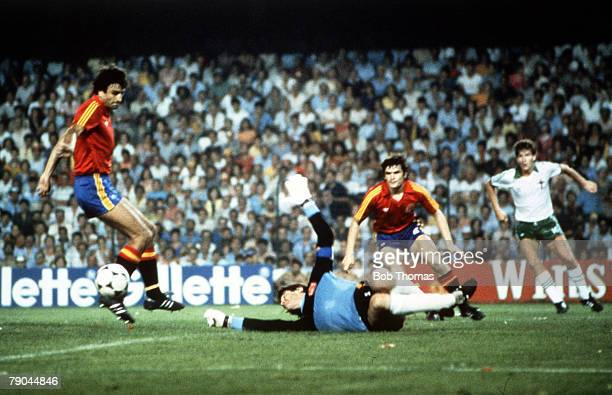 World Cup Finals Valencia Spain 25th June Spain 0 v Northern Ireland 1 Spain's goalkeeper Luis Arconada punches the ball out from a cross by Northern...