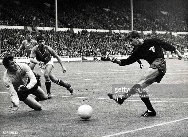 World Cup Finals Wembley England 13th July France 1 v Mexico 1 French goalkeeper Marcel Aubour dives to make a save from a Mexican attacker Enrique...